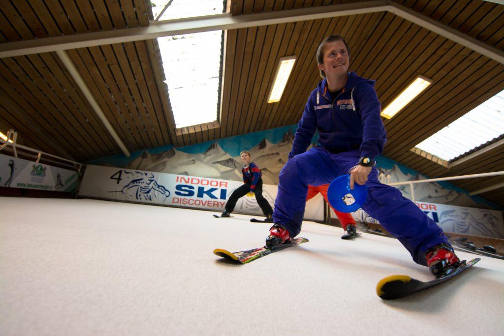 Kinderen tijdens indoor skiles