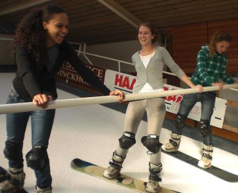 Indoor snowboard les