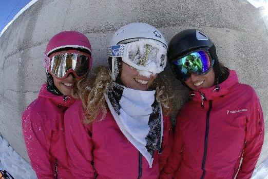 Meidenweekend wintersporten
