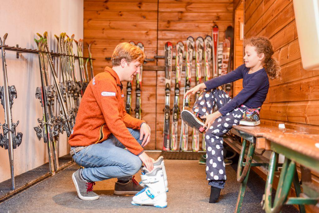 Kiezen van de juiste skischoenen voor indoor skiles